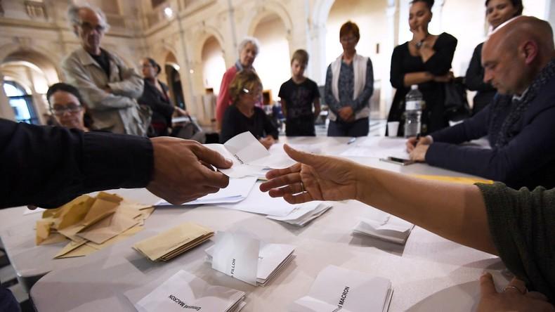 Le monde réagit à la qualification d'Emmanuel Macron et Marine Le Pen pour le second tour