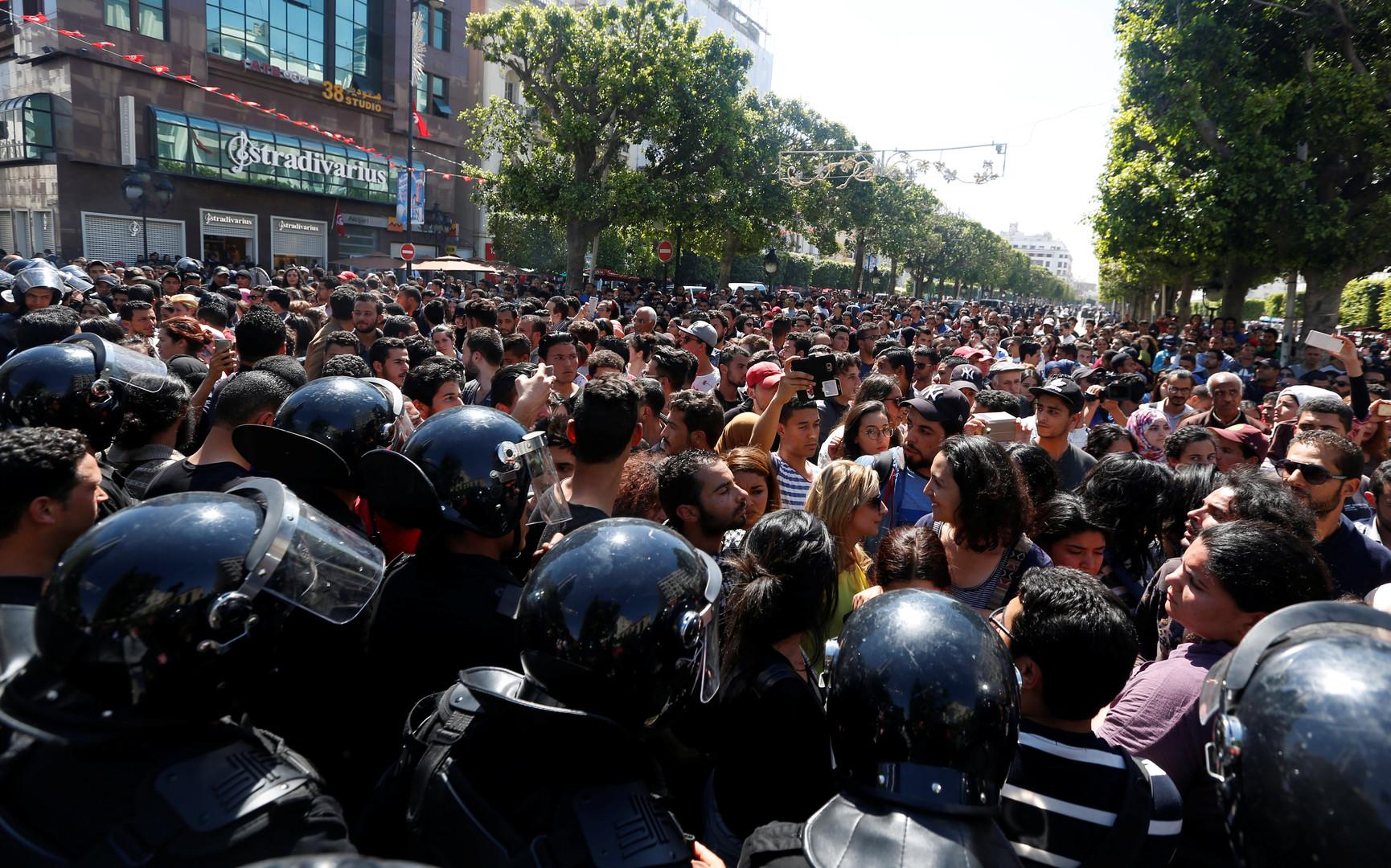 Tunisie : journée de colère estudiantine après des «violences policières» (PHOTOS)