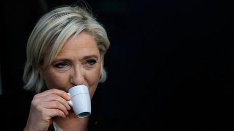 Marine Le Pen est prête à attendre pour négocier la sortie de l'euro