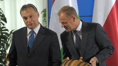 Le Premier ministre hongrois Victor Orban avec le président du Conseil européen Donald Tusk