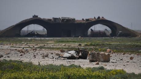 La base aérienne syrienne frappée par les missiles américains