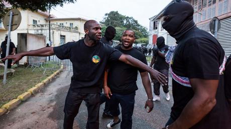 Des membres du groupe «500 frères contre la délinquance»,