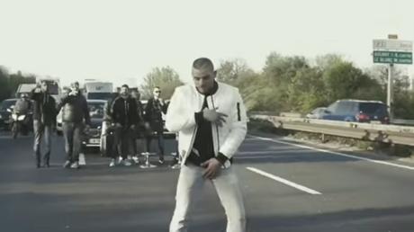 En Seine-Saint-Denis, un rappeur a bloqué une autoroute pour pouvoir tourner son clip (VIDEO)
