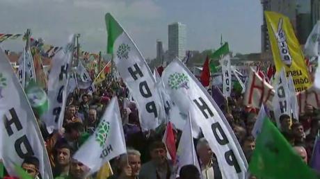 Istanbul : manifestation contre le référendum sur l'extension des pouvoirs du président