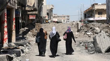 Des femmes dans la ville de Mossoul