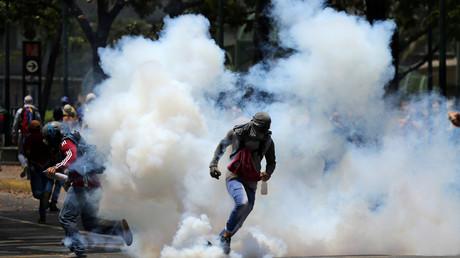 Vénézuéla : une dizaine de blessés dans une manifestation à Caracas (VIDEO)