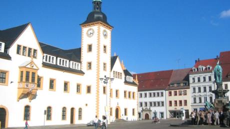La place principale de la commune de Freiberg, dans le Land de la Saxe, en Allemagne de l'Est