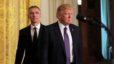 Le président américain Donald Trump et le Secrétaire général de l'OTAN Jens Stoltenberg.