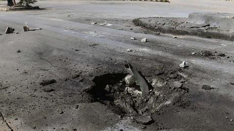 Le cratère présumé de l'impact lors de la contamination chimique à Khan Cheikoun