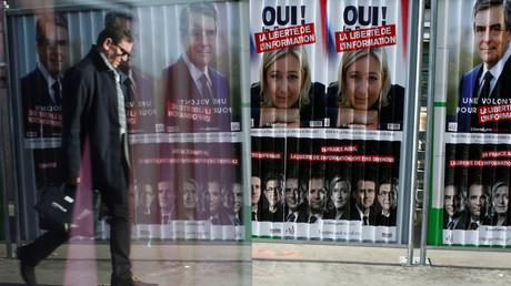 Les affiches de la campagne des candidats à le présidentielle française Marine Le Pen et François Fillon.