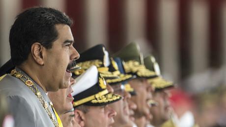 Le président du Venezuela, Nicolas Maduro, aux côtés de hauts responsables militaires en février 2017