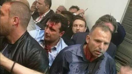 Zoran Zaev, leader de l'opposition, a été sérieusement blessé par les manifestants