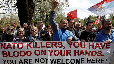 Manifestation contre l'adhésion du Monténégro à l'OTAN