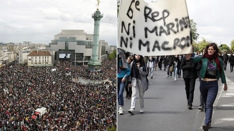 A gauche, la manifestation anti-FN du 1er mai 2002. A droite, une manifestation