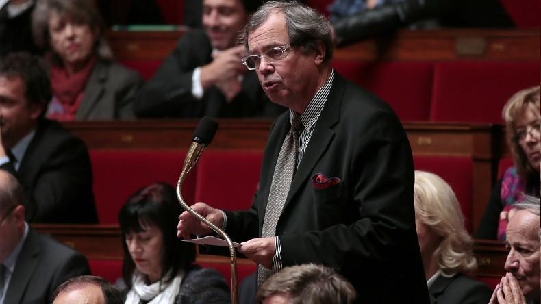 Vacances, golf et courses chez Darty : un député REM aurait abusé de son indemnité parlementaire