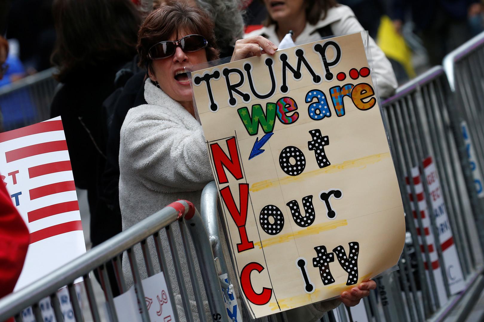 Trump à New York, les appels à manifester peu suivis (PHOTOS)