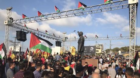 Rassemblement à Ramallah, au pied de la statue de Nelson Mandela, en soutien aux prisonniers palestiniens en grève de la faim
