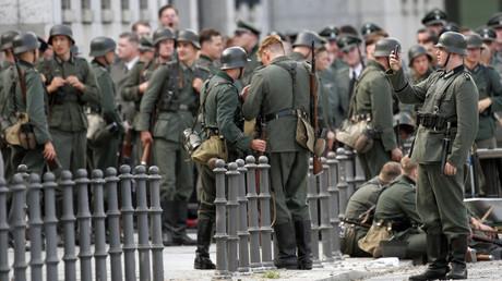Des acteurs et figurants déguisés en soldats de la Wehrmacht lors du tournage du film Walkyrie en 2007
