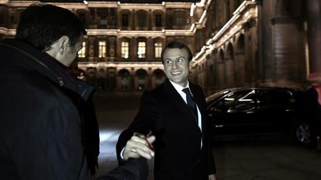 Emmanuel Macron à l'esplanade du Louvre le 7 mai 2017