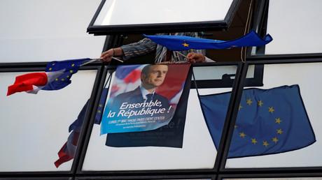 Emmanuel Macron doit composer son gouvernement