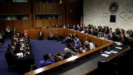 L'audience publique devant la Commission du Sénat sur le renseignement du 11 mai 2017.