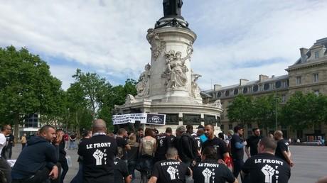 Les chauffeurs de taxis se mobilisent à Paris contre les VTC