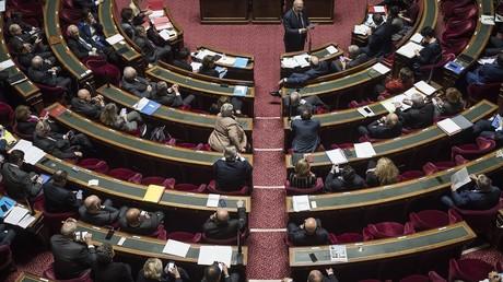 Investitures de La République en marche : au moins 80 candidats pour le MoDem, le PS fébrile