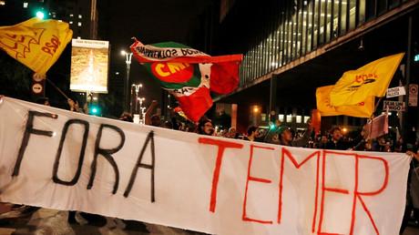 Des manifestants réclament la destitution du président brésilien, Michel Temer