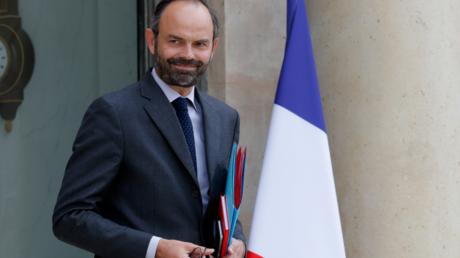 Edouard Philippe assure syndicats et patronat de l'importance qu'il accorde au dialogue social