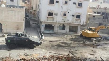 Assiégée par l'armée saoudienne depuis neuf jours, une ville chiite vit dans la terreur (IMAGES)