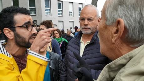 Le ton est rapidement monté entre riverains et militants à La Chapelle