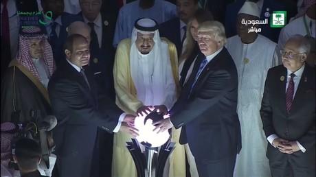 Quand Twitter découvre les plans de domination mondiale de Donald Trump
