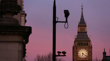 Caméra de surveillance devant Big Ben