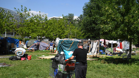 Evacuation du camp de migrants à Grenoble