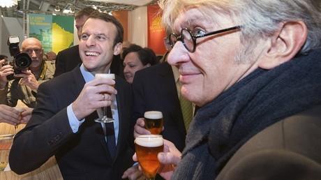 Emmanuel Macron a-t-il cédé au lobby de l'alcool ?