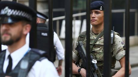 La police fait évacuer un théâtre dans le centre de Londres après une alerte, finalement levée