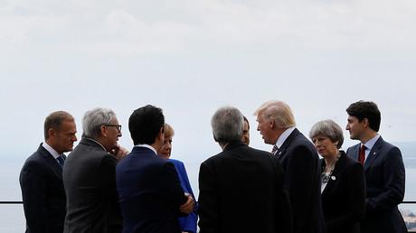 Un moment de solitude : Justin Trudeau mis à l'écart par ses homologues du G7 (VIDEO)