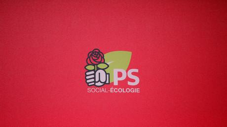 Le PS dénonce les propos «diffamatoires et provocateurs» de Mélenchon visant Cazeneuve