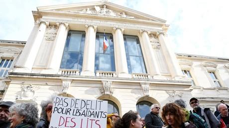 Manifestation de soutiens à l'accueil des migrants devant le tribunal de Nice en 2016