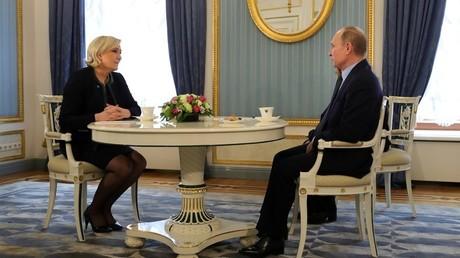 Marine Le Pen et Vladimir Poutine à Moscou le 24 mars
