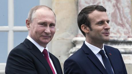 Vladimir Poutine et Emmanuel Macron au château de Versailles.