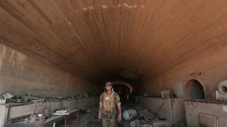 Un combattant des Forces démocratiques syriennes à Tabqa