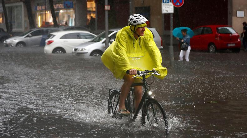 Etat d'urgence déclenché et paddles dans les rues : Berlin sous des pluies torrentielles