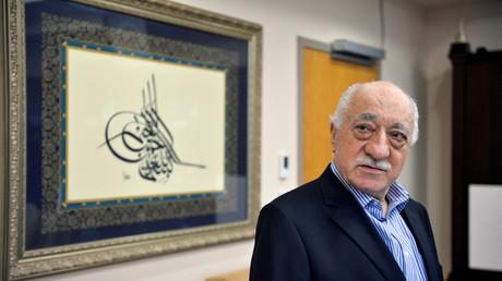 La Turquie procède à la déchéance de nationalité du prédicateur Gülen