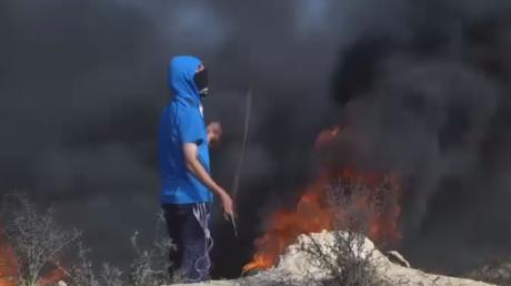Gaz lacrymogènes contre pierres : une manifestation à Gaza se termine en heurts