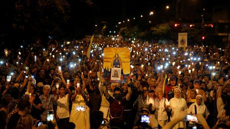 Des milliers de Vénézuéliens rendent hommage à un adolescent tué lors d'une manifestation (VIDEO)