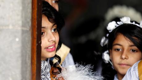 Les mariages forcés d'enfants en pleine expansion dans un Yémen meurtri par la guerre (VIDEO)