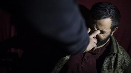 Un homme torturé par des soldats l'unité d'élite irakienne ERD