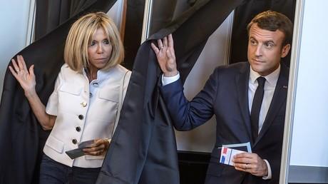 Emmanuel Macron a voté avec son épouse Brigitte