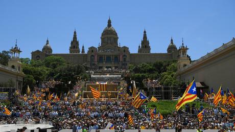 Entre 30 000 et 47 000 personnes se sont rassemblées à Barcelone le 11 juin pour demander la tenue d'un référendum sur l'indépendance de la Catalogne